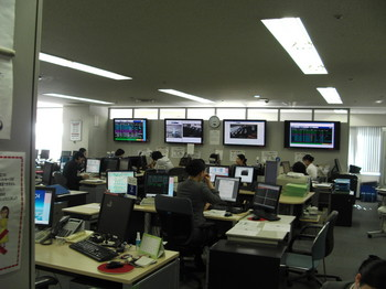 JAL見学会2013 018.jpg